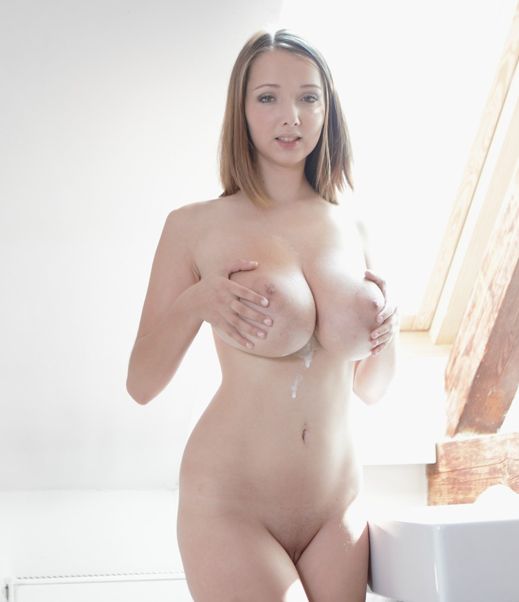 BustyBuffy - Lucie Wilde - Toothbrush [HD]