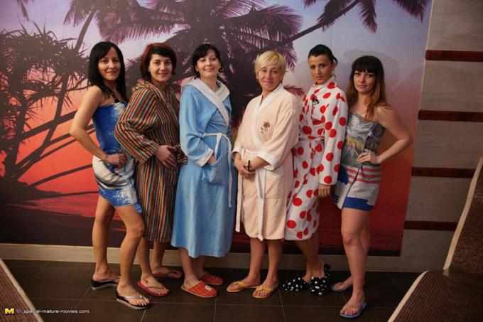 Mature: Eranka (47), Josine A. (44) , Manoli (30), Paola C. (28), Teresa (35), Carmella (30) - SMM Sauna 06 (2015/SD)