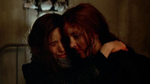 Оборотень / Ginger Snaps (Джон Фоусет) [2000 г., Ужасы, Драма, BDRip 720p] DVO (RUS, Twister) + Original (ENG) + Subs (RUS, ENG)