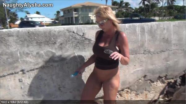 Horny girls having sex
