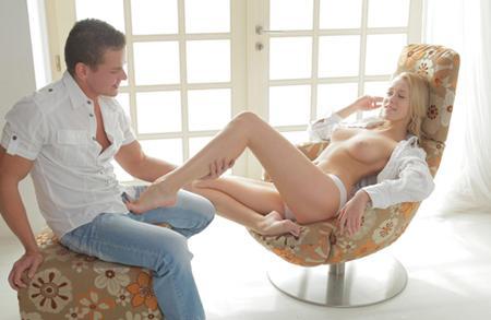 Забрызгал спермой все тело красивой блондинке
