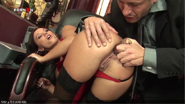 секс в офисе анал