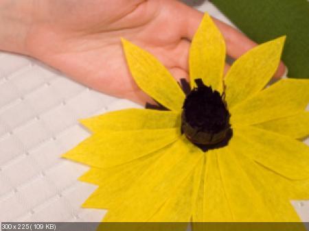 Цветы из гофрированой бумаги 8ee53ab858b8f318c456fccbd7e63339