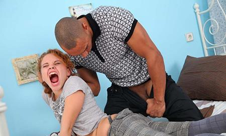 Присунул девочке в очко в жесткой форме