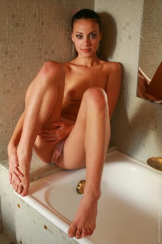 Lorena nakedby2008-12-23