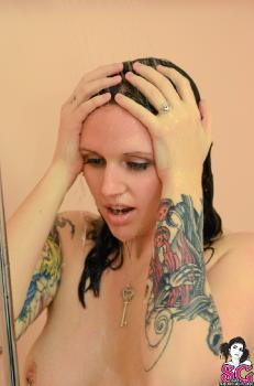 QueenMab - Bath Time Bettie